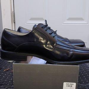 Black mens dress shoe Stacy adams Square toe